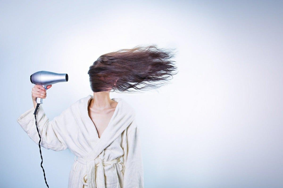 Conseils pour entretenir ses extensions de cheveux - le coiffage.